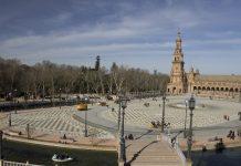 Turistas y el incremento en viviendas de alquiler en España